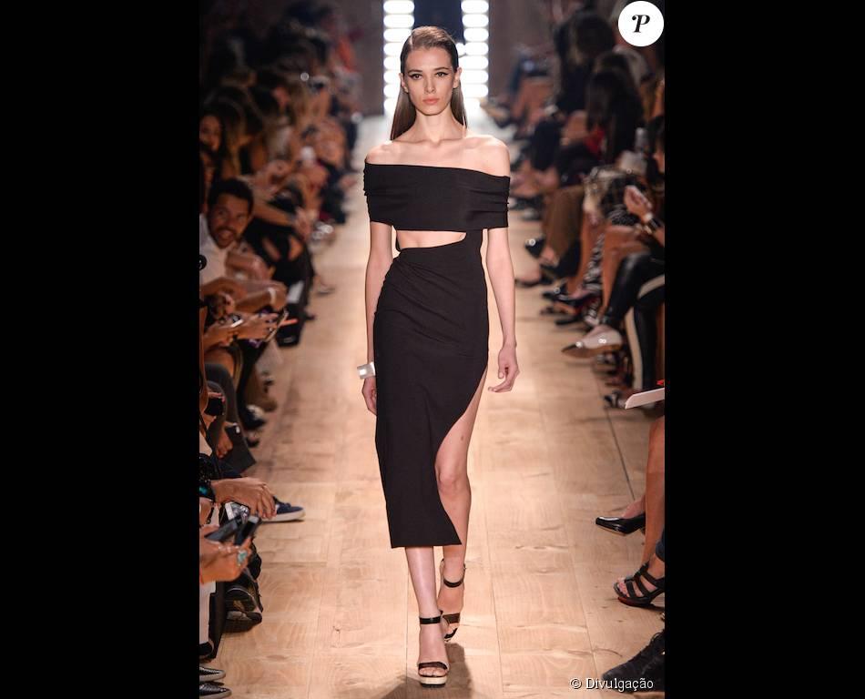 b38bc56ddde O vestido foi exibido na última edição da São Paulo Fashion Week verão 2016