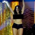 Na segunda temporada de 'Tapas & Beijos', Paolla Oliveira fez uma prima de Sueli (Andréa Beltrão) que fazia a linha recatada, mas perdeu a linha na La Conga e fez um striptease para a boate toda