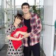 Em junho de 2011, Daniele Suzuki optou por um vestido cinza de bolas pretas para sair com Kauai da maternidade