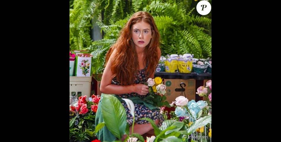 bdb7dd5c9140e Depois de algum tempo, a vendedora de flores será descoberta e treinada para  se tornar uma modelo de sucesso