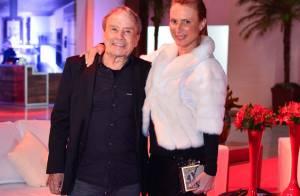 Stênio Garcia e mulher vão prestar depoimento em delegacia sobre fotos nuas