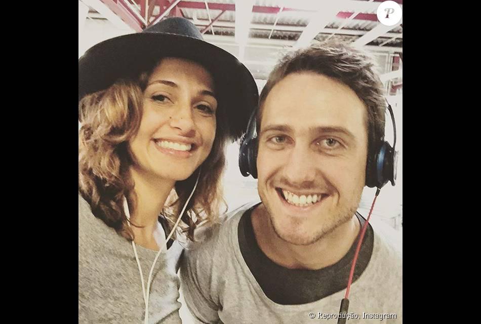 Com o sorriso estampado, Igor Angelkorte curte férias na Europa com Camila Pitanga, seu novo amor. 'Berlim. Ela', limitou-se a escrever o ator nesta quarta, 7 de outubro de 2015