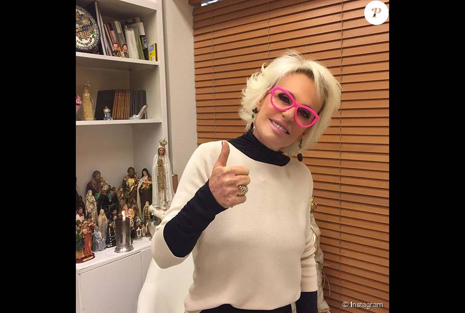 Ana Maria Braga apresentou o 'Mais Você' de óculos pink em apoio ao Outubro Rosa