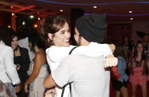 Caio Castro e Maria Casadevall trocam carinhos em evento e esticam noite juntos