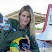 Boato na internet transforma Ana Hickmann em piloto do exército russo