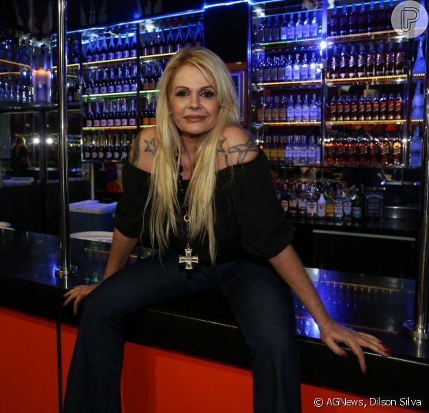 Monique Evans vai voltar à TV com 'Na Noite com Monique', mais um programa de sexo para sua carreira