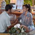 Natália (Daniela Escobar) não sabe como contar a Juliano (Bruno Gissoni) que perdeu seu filho, em 'Flor do Caribe'
