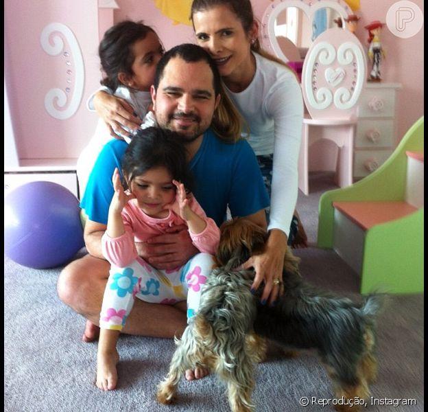 Luciano Camargo já teve alta do hospital após retirar a vesícula nesta semana. Ele passa bem e está em casa com a família