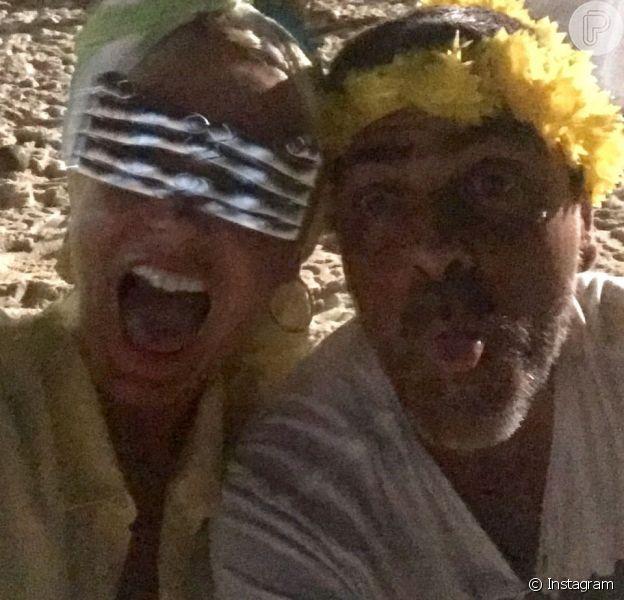 Xuxa Meneghel entrou em 2016 com o seu namorado, Junno Andrade, no meio do povo, na praia. Sasha está em Saint Barth, com a amiga, Bruna Marquezine: 'Amei!'