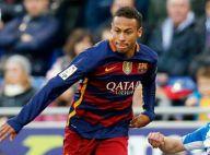 Neymar sofre ataques racistas durante jogo do Barcelona, diz jornal espanhol