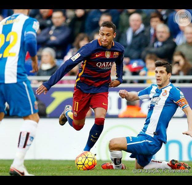 Neymar sofreu ataques racistas no jogo do Barcelona contra o Espanyol, segundo o jornal 'Mundo Deportivo', em 2 de janeiro de 2015