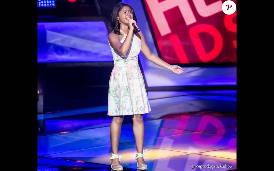Julie de Assis emocionou internautas e telespectadores em apresentação no 'The Voice Kids' neste domingo, 3 de janeiro de 2016