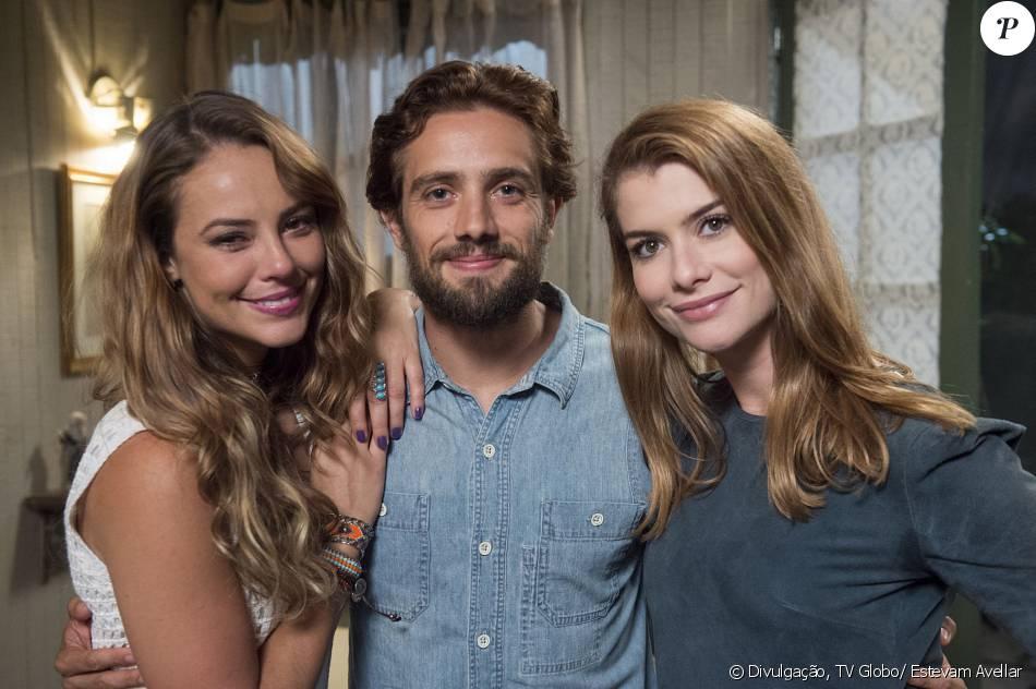Melissa (Paolla Oliveira) atira em Pedro (Emílio Dantas) e Lívia (Alinne Moraes) Felipe (Rafael Cardoso) são salvos da morte por Ariel (Michel Melamed), no último capítulo da novela 'Além do Tempo', em 15 de janeiro de 2016
