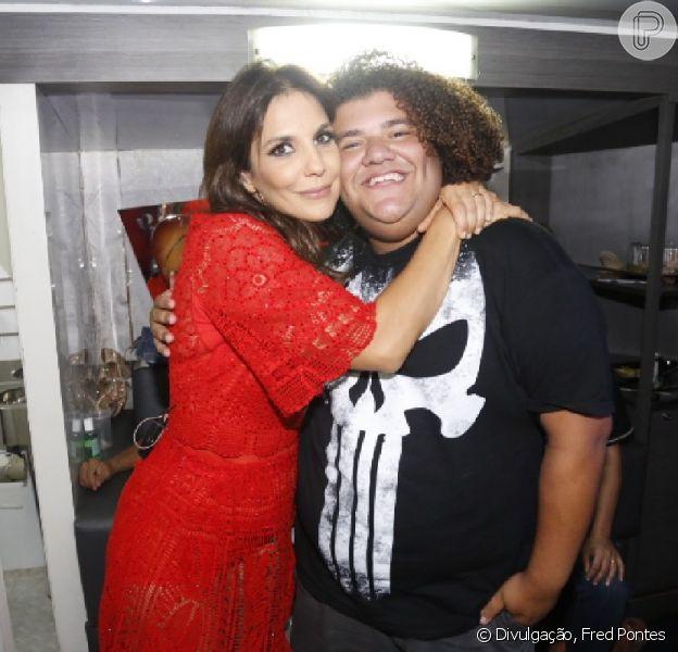 Amigo de Ivete Sangalo, Gominho negou que Carla Verde tenha sido a pivô de crise de ciúmes da cantora: 'Outra menina'