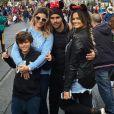 Suzanna e Kelly Key estão em Orlando, nos EUA, com a família