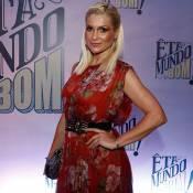 Flávia Alessandra usa look de mais de R$ 25 mil em coletiva de 'Êta Mundo Bom!'