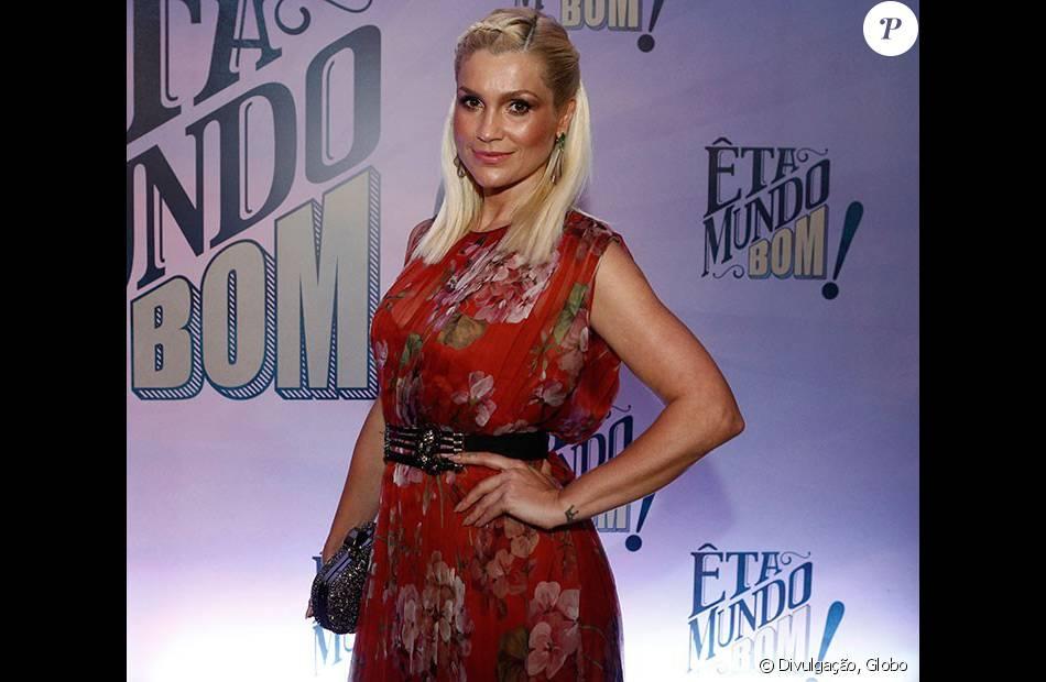"""Flávia Alessandra usou um longo da marca italiana Gucci nesta quinta-feira, 07 de janeiro de 2016, durante a coletiva da nova novela das seis, 'Eta Mundo Bom!"""""""