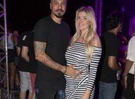 Ex-'BBB' Aline Gotschalg exibe barriga de 6 meses ao lado de Fernando em festa