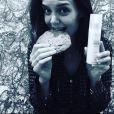Katie Holmes apareceu em foto no Instagram usando anel que pode representar noivado com Jamie Foxx