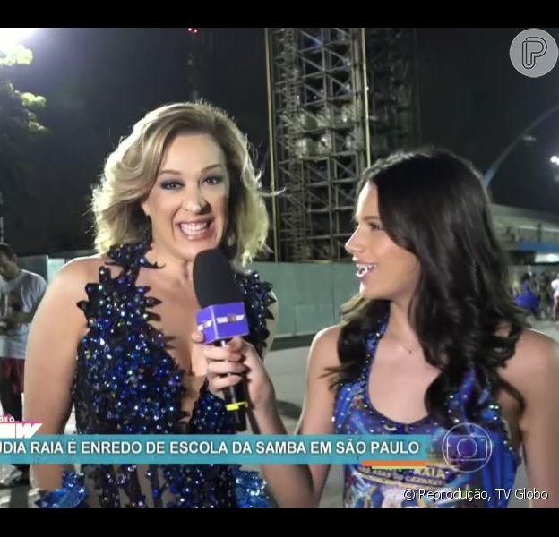 Claudia Raia foi entrevistada pela filha, Sophia, durante ensaio da escola paulistana Nenê de Vila Matilde