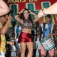 A Rainha de bateria Paloma Bernardi se tem comparecido aos ensaios da Grande Rio