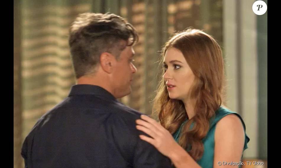 Eliza (Marina Ruy Barbosa) e Arthur (Fábio Assunção) vão se beijar na novela 'Totalmente Demais'