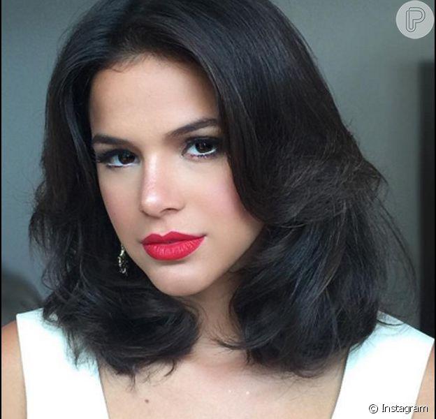Beatriz (Bruna Marquezine) vai se envolver com Otaviano (Daniel de Oliveira) para vingar a morte da mãe, na série 'Nada Será como Antes'