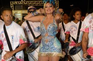Carnaval: Ellen Rocche exalta curvas em look decotado no ensaio da Rosas de Ouro