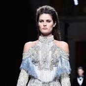 Isabeli Fontana e Alessandra Ambrosio desfilam na Semana de Moda de Paris