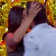 André Marques deu um beijo com direito a muita pegada em uma participante anônima em quadro do 'Amor & Sexo' deste sábado (23)