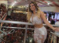 Viviane Araújo usa chinelos após sambar muito em ensaio do Salgueiro. Fotos!