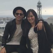 Neymar passeia por Barcelona com os amigos e a mãe, Nadine: 'Mamis'
