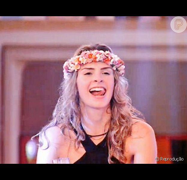 Ana Paula se divertiu na festa 'Mix de Gerações' na noite desta quarta-feira, 27 de janeiro de 2016, e virou destaque nas redes sociais