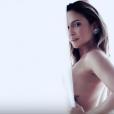 Claudia Leitte sensualiza no clipe da música 'Corazón'