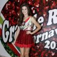 Camila Queiroz esteve na feijoada da Grande Rio