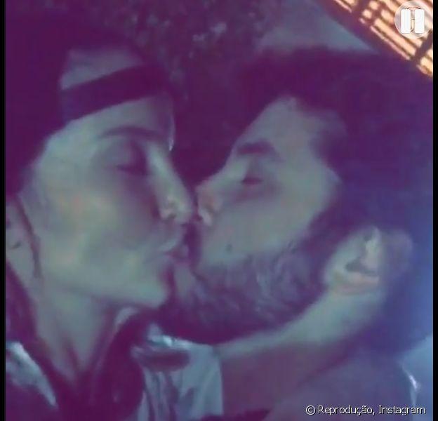 Claudia Leitte beija o marido, Márcio Pedreira, em vídeo, em 30 de janeiro de 2016
