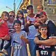 Henri Castelli com o filho, Lucas, e amigos torcedores do São Paulo Futebol Clube