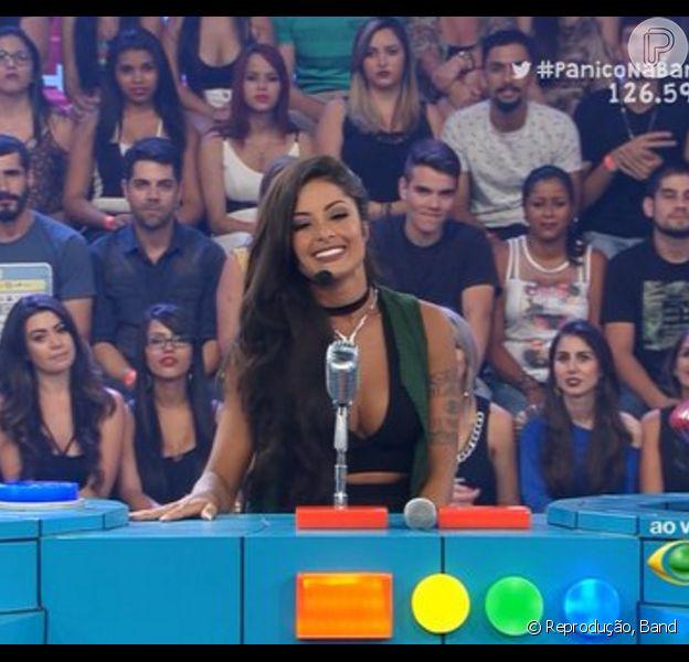 Aline Riscado estreou como apresentadora do programa 'Pânico na Band', neste domingo, 31 de janeiro de 2016