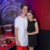 João Guilherme comemora aniversário ao lado da namorada, Larissa Manoela