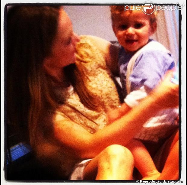 Frederico, neto caçula de Regina Duarte (e filho de Gabriela Duarte), completa um ano em 17 de dezembro de 2012