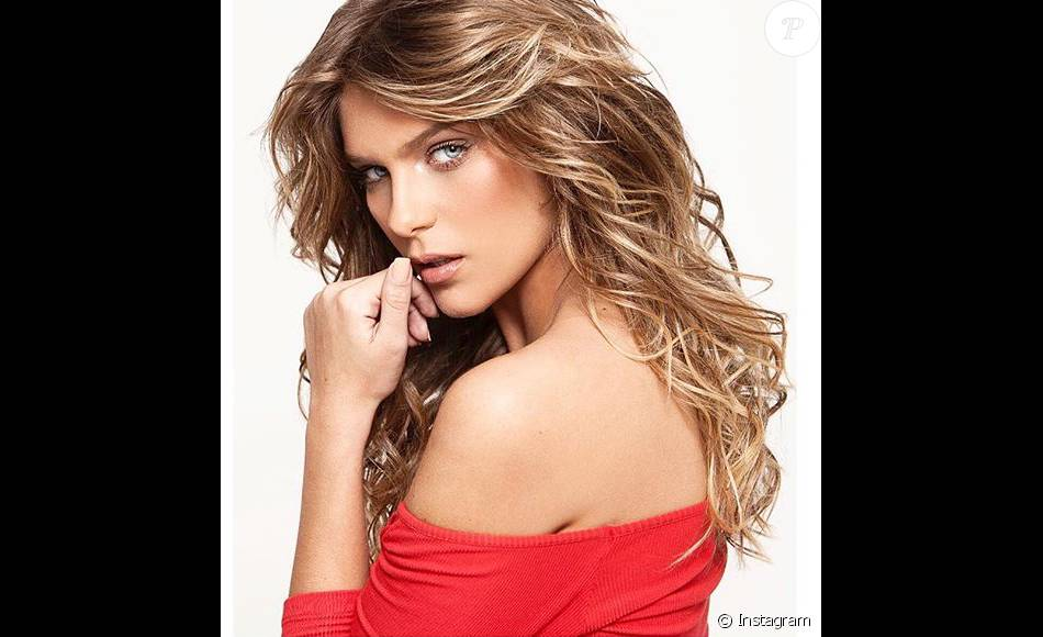 Isabella Santoni afirma em entrevista nesta segunda-feira, 02 de fevereiro de 2016, que rasparia o cabelo para viver jovem com leucemia