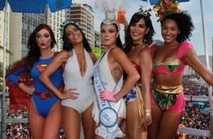 Isis Valverde desfila como musa do bloco de Carnaval de Carol Sampaio. Fotos!