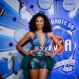 Lucy Ramos também prestigiou o camarote da Boa na noite de domingo (07) e apostou num modelito superdecotado e muito brilho