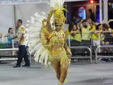 Amanda Djehdian e outras ex-BBBs desfilam no Carnaval do Rio e de SP. Fotos!