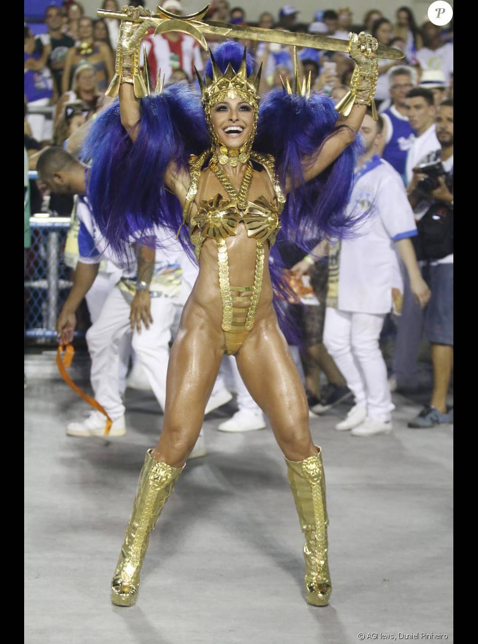 Sabrina Sato usou uma fantasia superousada no desfile da Vila Isabel, nesta  segunda-feira 8b39297a2e