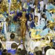 Sabrina Sato brilha pelo sexto ano consecutivo à frente dos ritmistas da Unidos de Vila Isabel