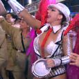 Viviane Araújo surpreendeu ao escolher uma fantasia de malandro para o desfile do Salgueiro nesta segunda-feira, 8 de fevereiro de 2016