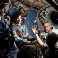 Sandra Bullock ao lado de George Clooney nas gravações de 'Gravidade', que estreia dia 10 de outubro no Brasil