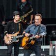 No início de sua carreira, Bruce chegou a ser comparado ao músico folk Bob Dylan