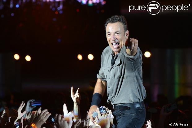 Para manter a boa forma, Bruce Springsteen segue uma dieta vegetariana, faz exercícios com peso e corre na esteira há 30 anos